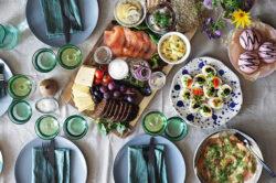Lauakatmine ja toidu serveerimine